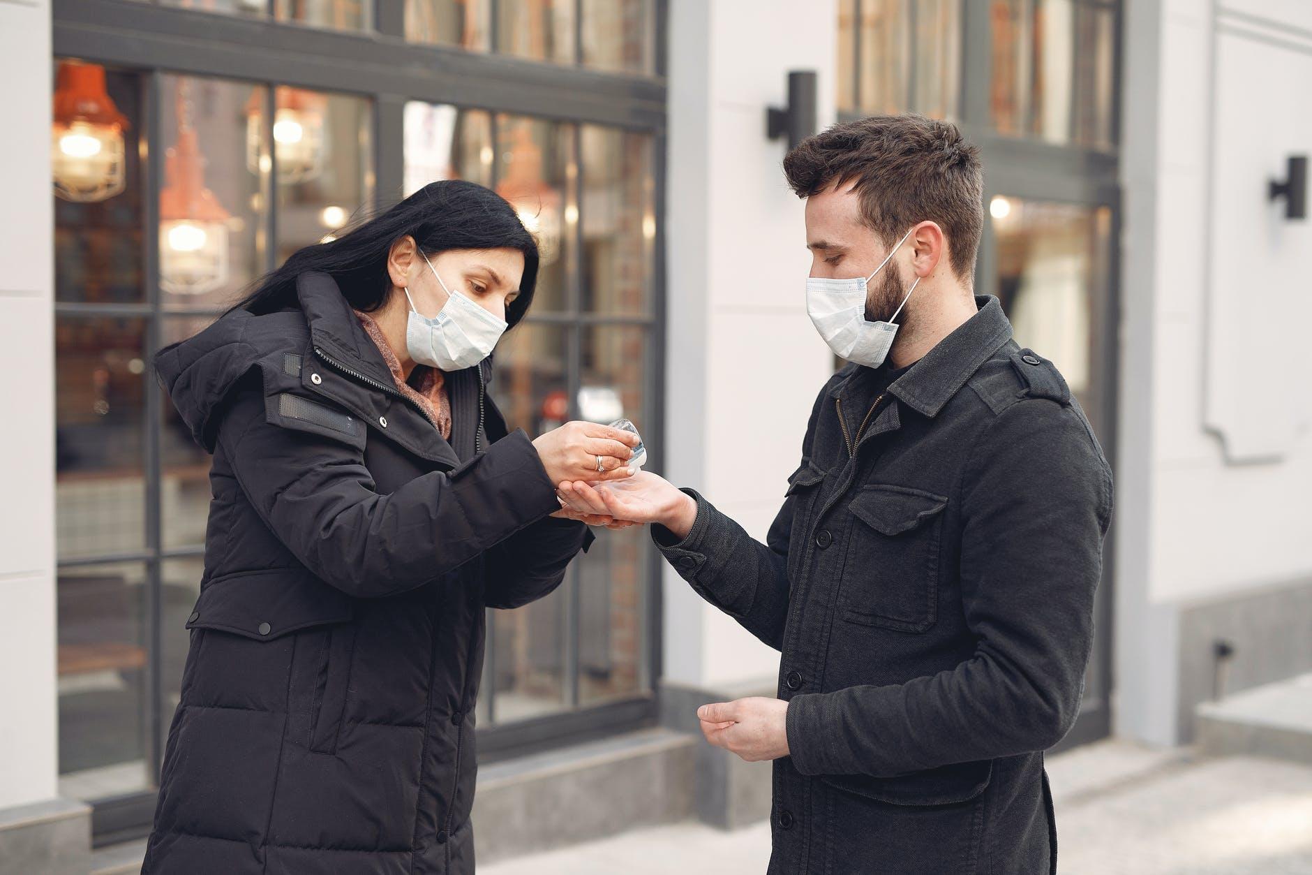 Jakie zasady podczas lotów w pandemii?